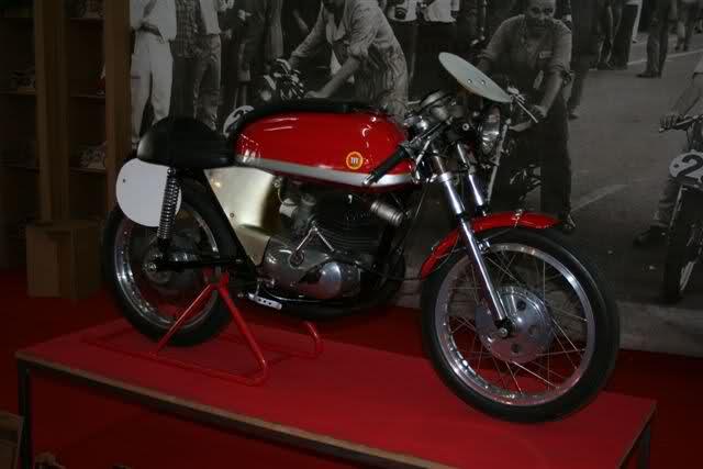 Classic Auto Madrid - 2012 - Página 3 2nc09jb