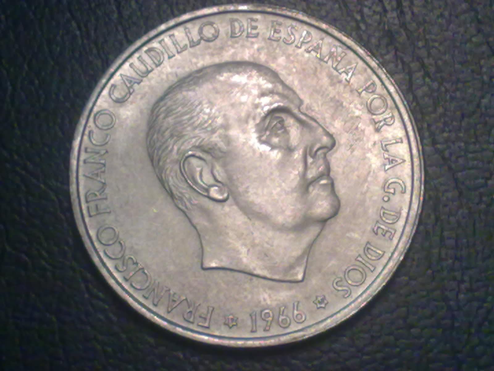 100 Pesetas 1966 (19-69). Francisco Franco. ¿Estrella retocada? 2nhiads