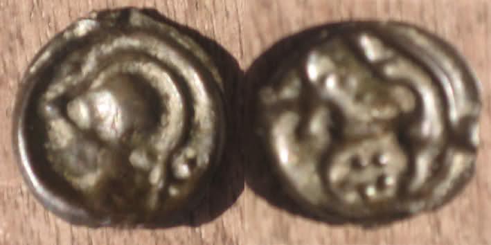 Potin à la tête casquée et rosace (REMES - REMI) 2q1sb3t