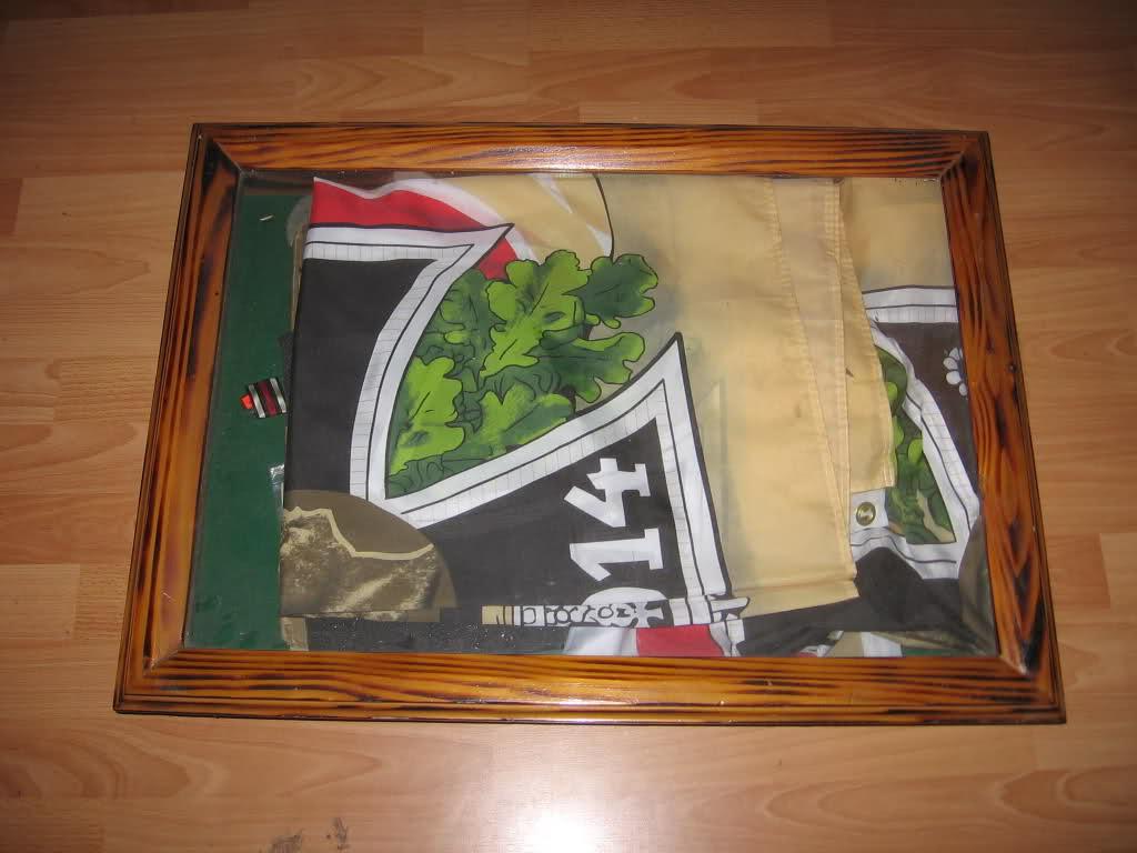 Comment construire sa propre vitrine, son propre meuble de présentation !  2rh1flj