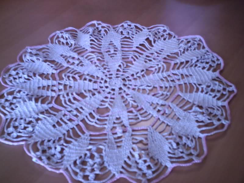 CROCHET - Patrón para realizar tapete en redondo a crochet (en dos colores) 2ujtfr7