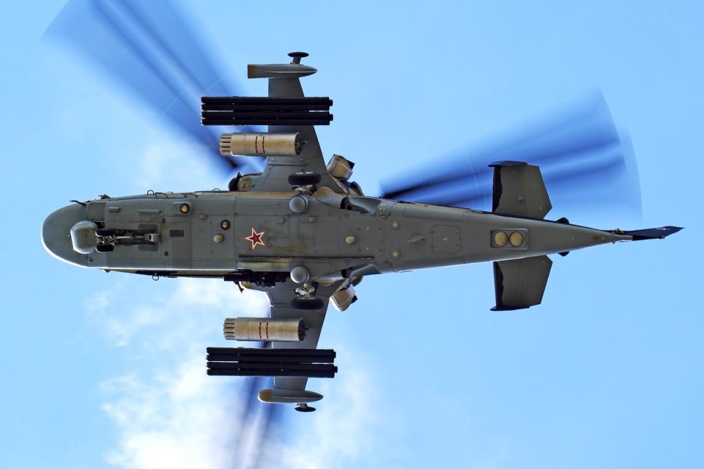 Hélicoptères de combats - Page 7 2wqr7ki