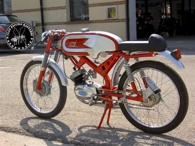 Ayuda identificar ciclomotor ¿Ducati? 34so3td
