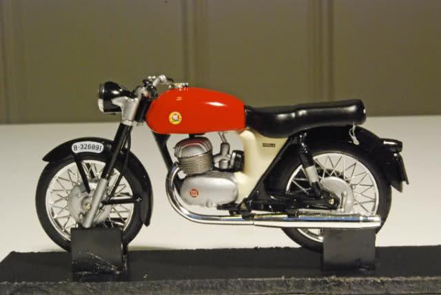 Colección Ducatis a Escala - Página 2 35buihk