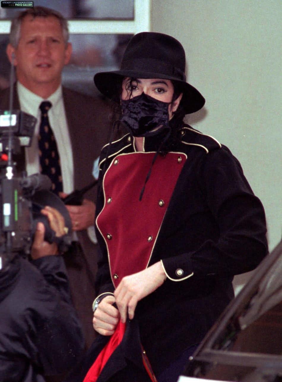 Foto di Michael Jackson con la mascherina - Pagina 5 5zir06