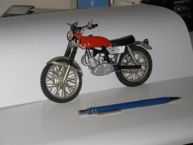 Colección Ducatis a Escala - Página 2 B5fdiq