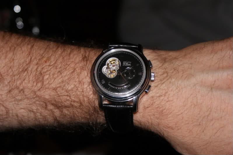 le porté de la montre. Magot4