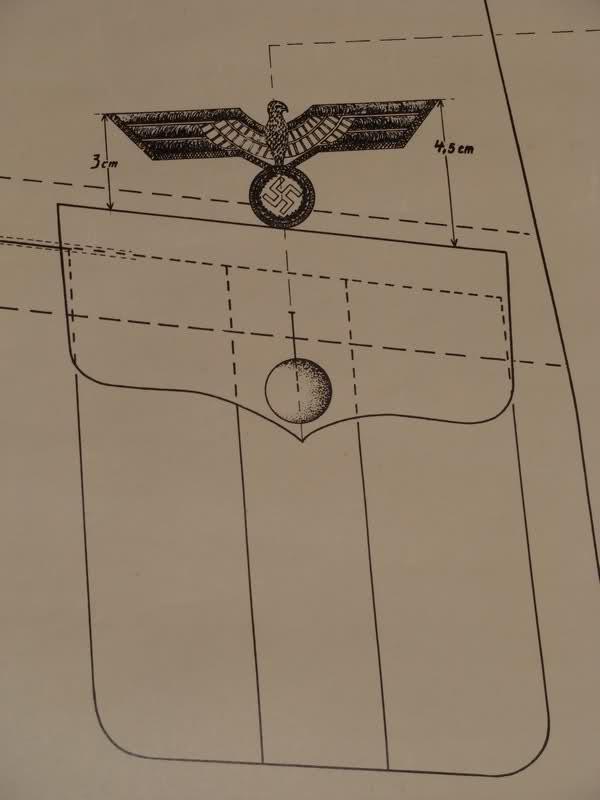 Position de l'aigle sur une vareuse. Mc9qix