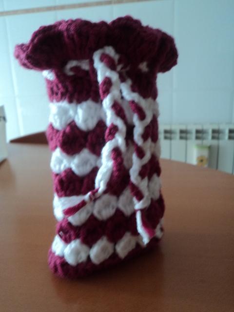 CROCHET - Pequeña bolsita tejida a crochet para guardar nuestros ganchitos Rc0cuf