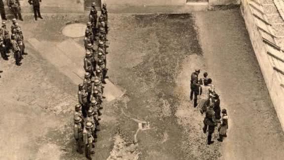 Fotos bélicas históricas, imagenes impactantes y para pensar. S5g4ub