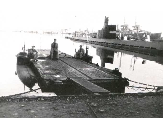 U-Boat et Marine Nationale à Toulon (83), 1944-1954 W1z5au
