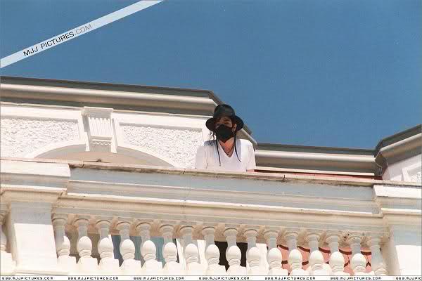 Foto di Michael Jackson con la mascherina - Pagina 6 W2ofol