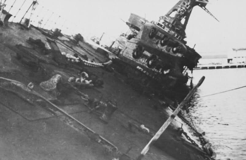 Le sabordage de la Flotte à Toulon (83) 27/11/1942 23iw5n9
