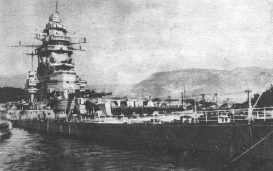 Le sabordage de la Flotte à Toulon (83) 27/11/1942 23iw8wp