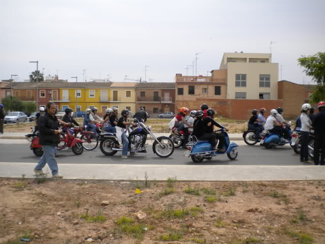 Concentracion 1 motos clasicas en Valencia 124kleh