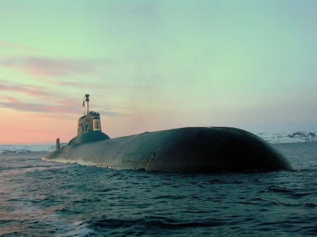 Les sous-marins Typhoon 14iq07b