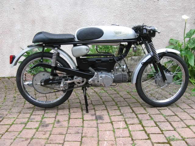 Ayuda identificar ciclomotor ¿Ducati? 21o4f1v