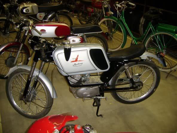 Ayuda identificar ciclomotor ¿Ducati? 28i7waa
