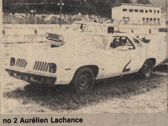 Vielles photos de chars de courses au Québec - Page 2 28vrree