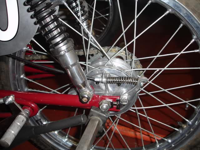 Réplica Ducati 50 de circuito - Página 4 30tjct2