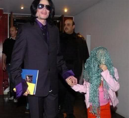 Foto di Michael con abiti eleganti Dox5au