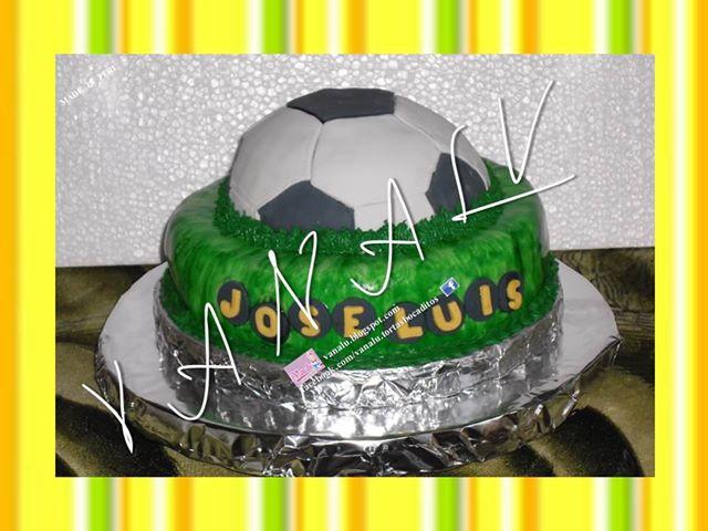 Torta con balon de futbol Dz9cwk