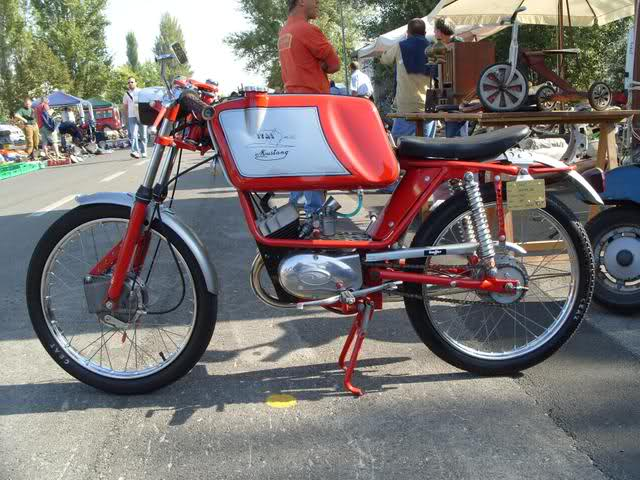 Ayuda identificar ciclomotor ¿Ducati? Effghd