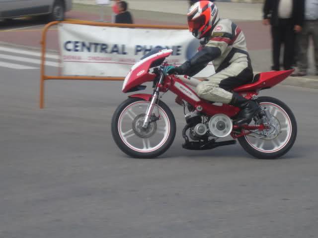 Exhibición de motos clásicas de competición en Beniopa (Valencia) Eirtip