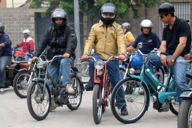 Concentracion 1 motos clasicas en Valencia Ru4q6t