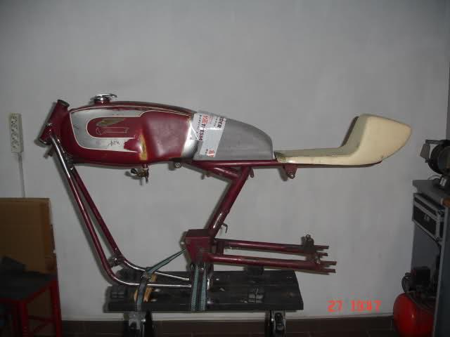 Réplica Ducati 50 de circuito - Página 2 Sxkbis
