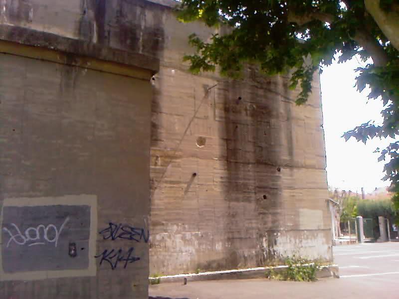 Blockhaus dans le Port de Toulon (83) - Page 3 Wu2dxt