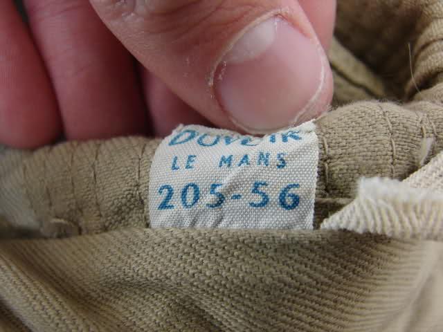 Le chapeau de broussse français Xdb67m
