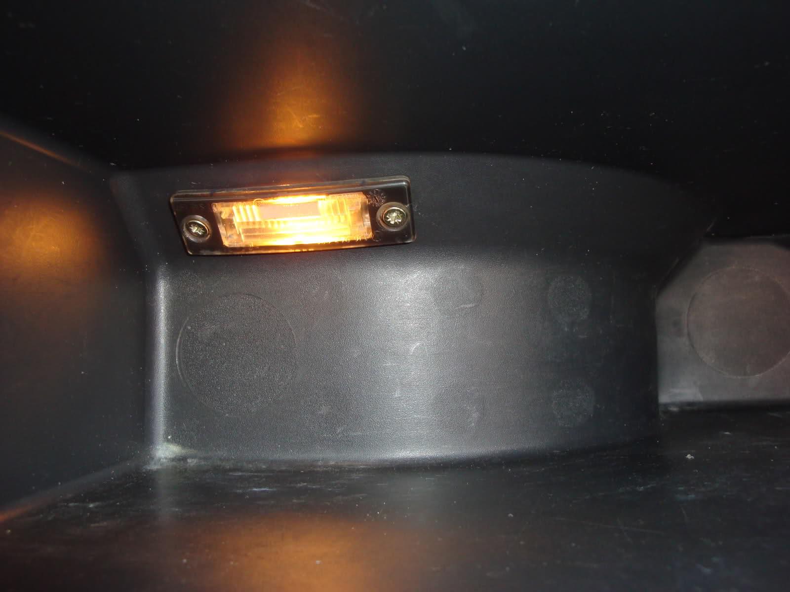 Tutorial montare lampa in torpedou la Corsa C 15ojdjq