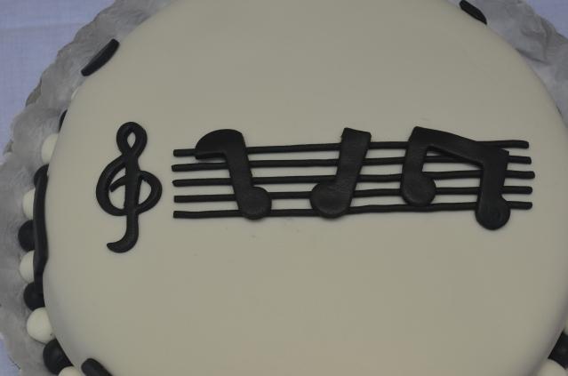 TORTA MUSICAL 1624g08