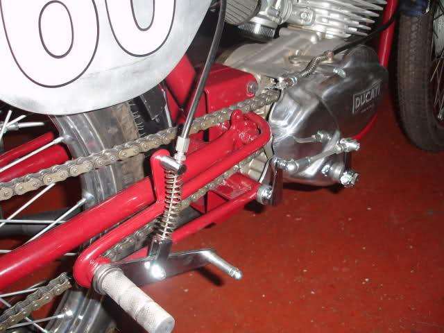 Réplica Ducati 50 de circuito - Página 4 19w8w4