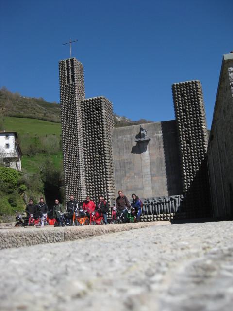 Salida al Santuario de Aranzazu el 20 de Abril (Donosti-Arantzazu) Con fotos - Página 4 204j2h