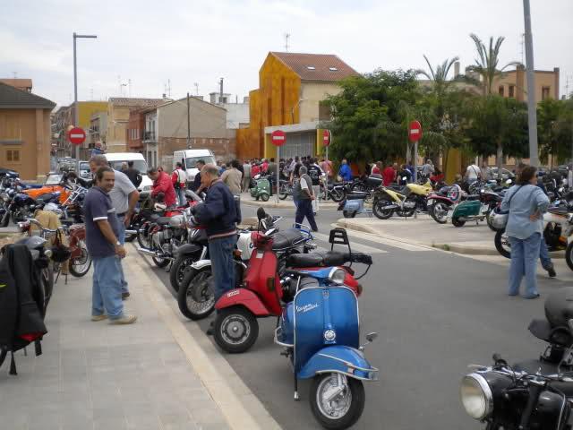 Concentracion 1 motos clasicas en Valencia 23k5hq8