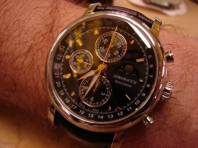 le porté de la montre. 2ib1cih