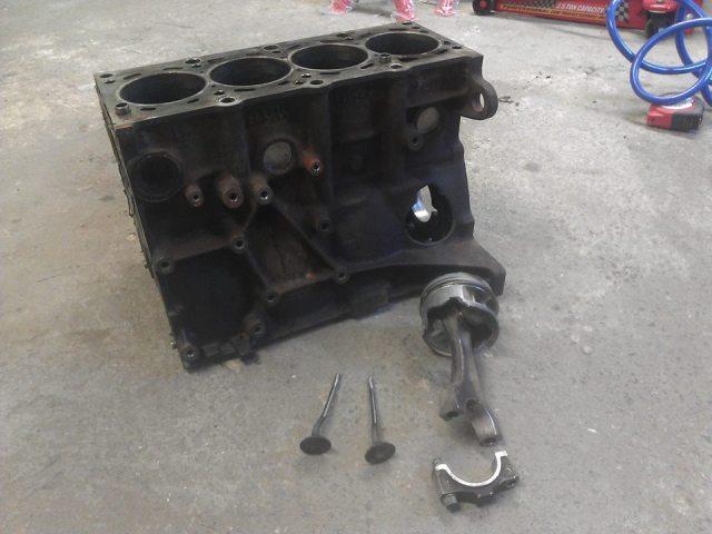 Bmw E30 318is & 1502 turboshit 2uq2kra