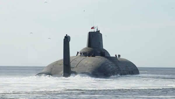 """Horlogerie à l'effigie des sous-marins """"Typhoon"""" 2urbi8l"""