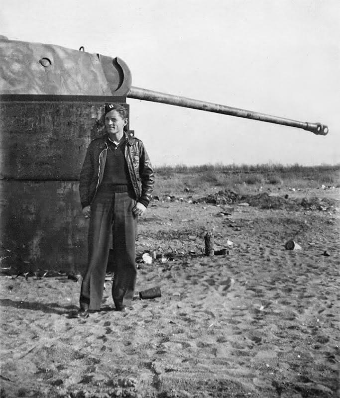 Panzerstellung Panther 2weyj3a