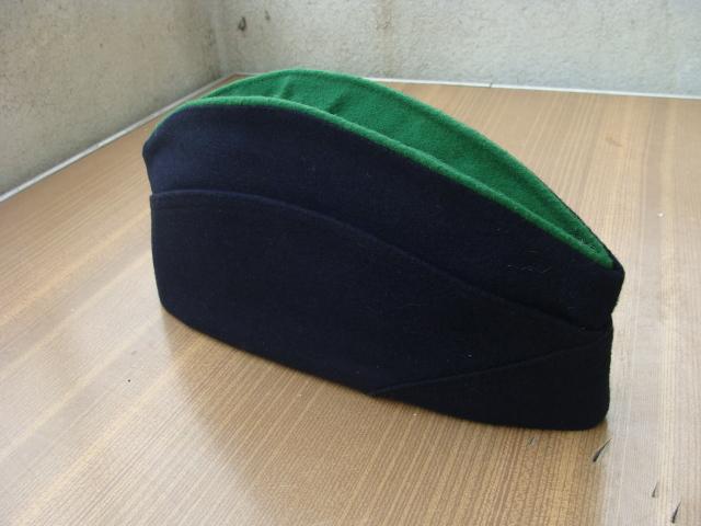 Les bonnets de police - Page 2 33dwpj5