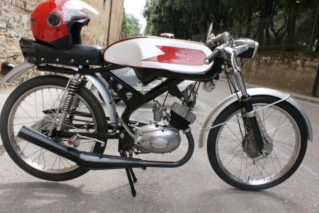 Ayuda identificar ciclomotor ¿Ducati? 34ngxog