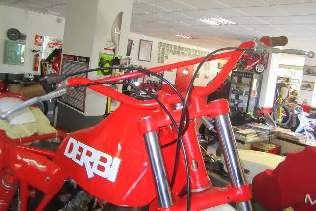 Derbi CR 82 * Motoret - Página 3 Es6s7l