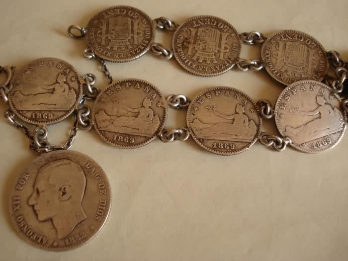 Pulsera de monedas de plata de 50 céntimos de 1869 y 1870 Flagb9