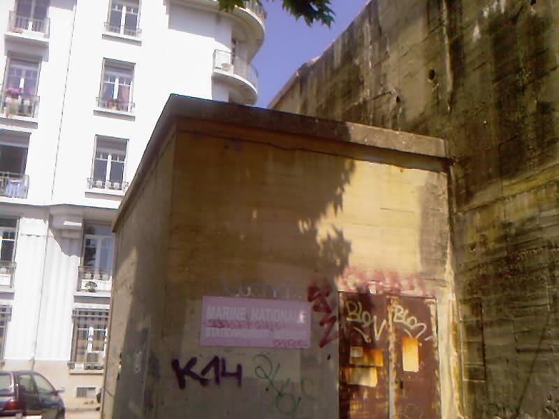 Blockhaus dans le Port de Toulon (83) - Page 3 Hwbfgk