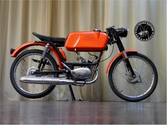 Ayuda identificar ciclomotor ¿Ducati? O05wzr