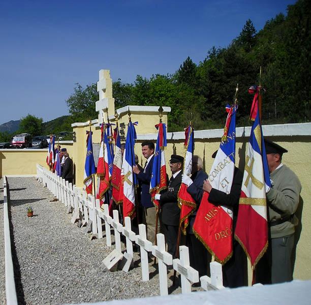 Massacre d'Izon-la-Bruisse Ceux du Maquis Ventoux Zwlpp5
