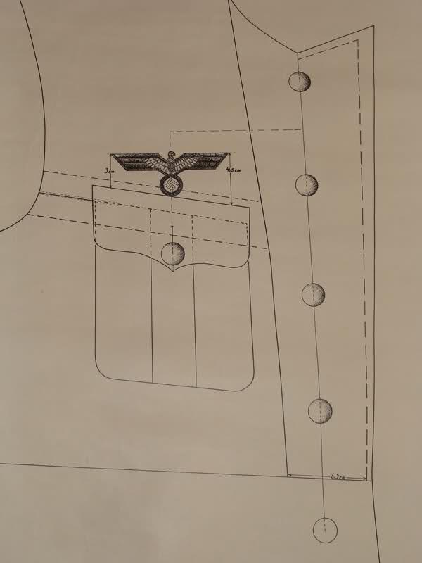 Position de l'aigle sur une vareuse. 14ajw38
