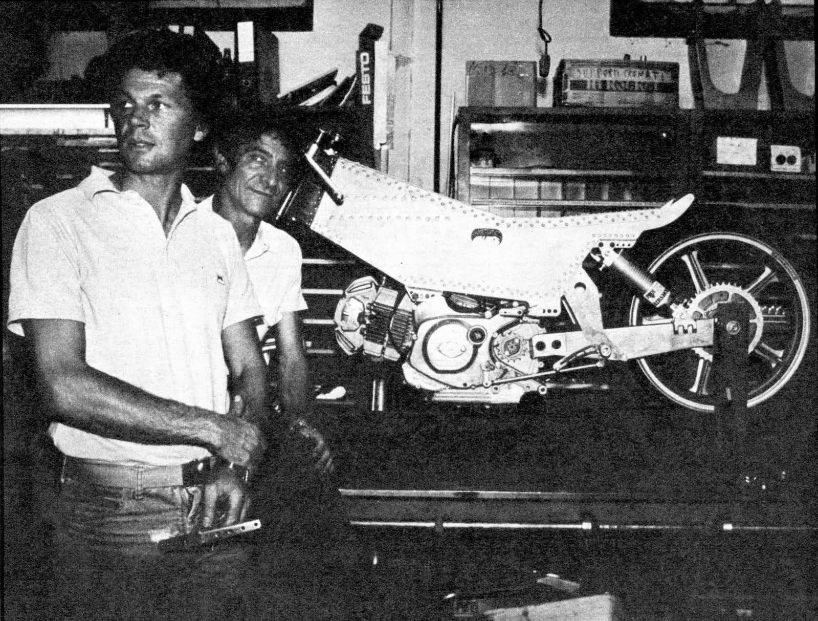 Réplica Ducati 50 de circuito - Página 2 208txk3